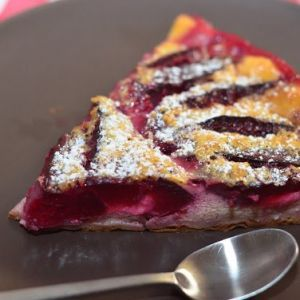 Clafoutis with plums. Recipes with photos of delicious pie.