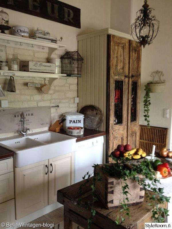 keittiö,keittiönkaapit,keittiön sisustus,maalaisromanttinen,vintage  Maalais