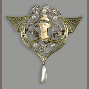 Art Nouveau diamond, pearl, green enamel, platinum and eighteen karat gold pendant brooch, Georges Fouquet, circa 1900