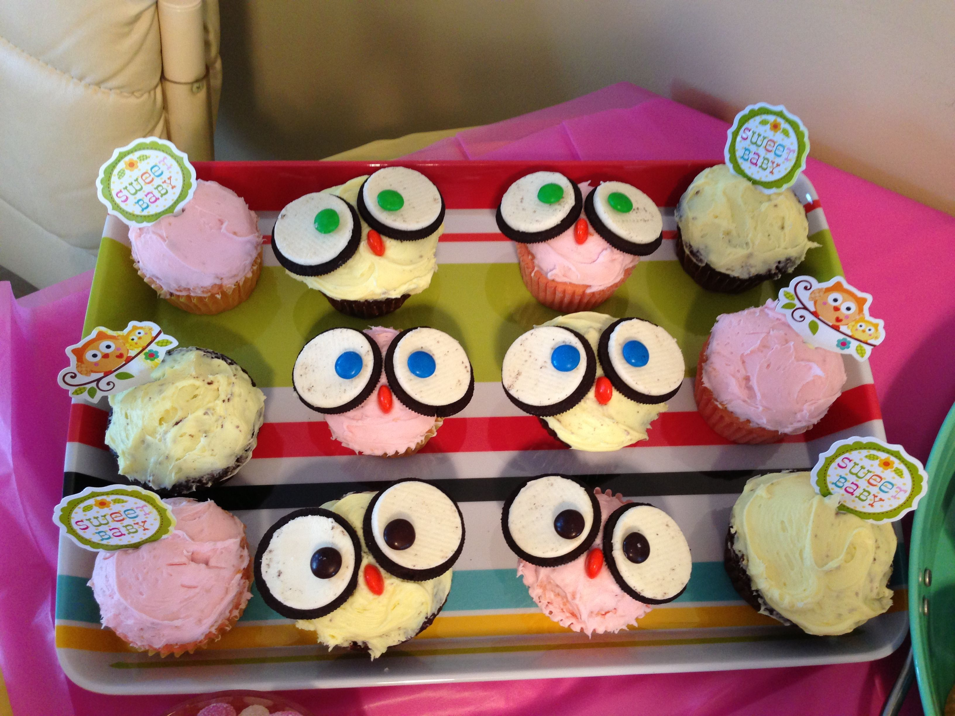 Living room decorating ideas baby shower owl cupcakes for Baby shower cupcake decoration ideas
