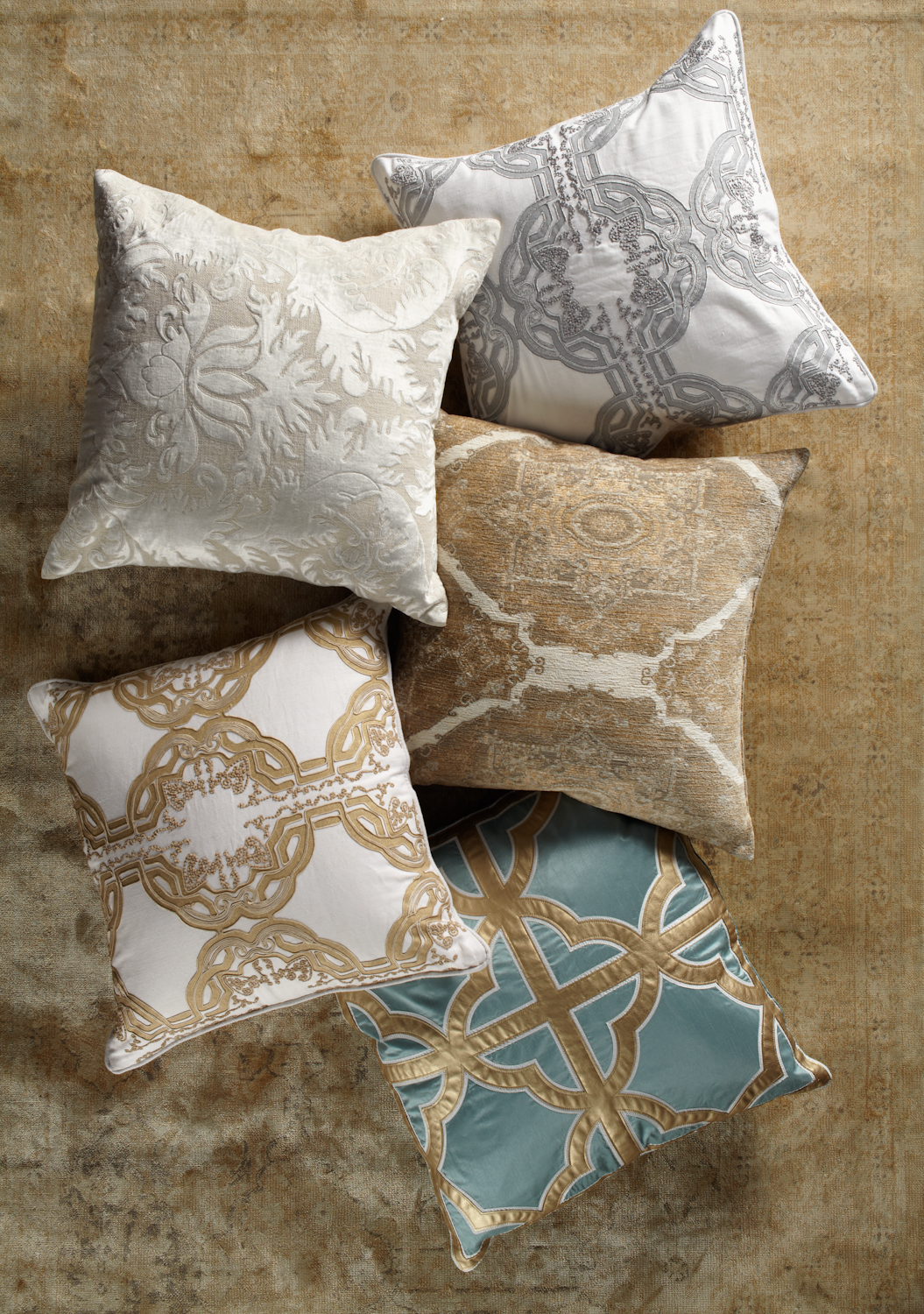 Update Your Space With Elegant Upscale Throw Pillows Calmly