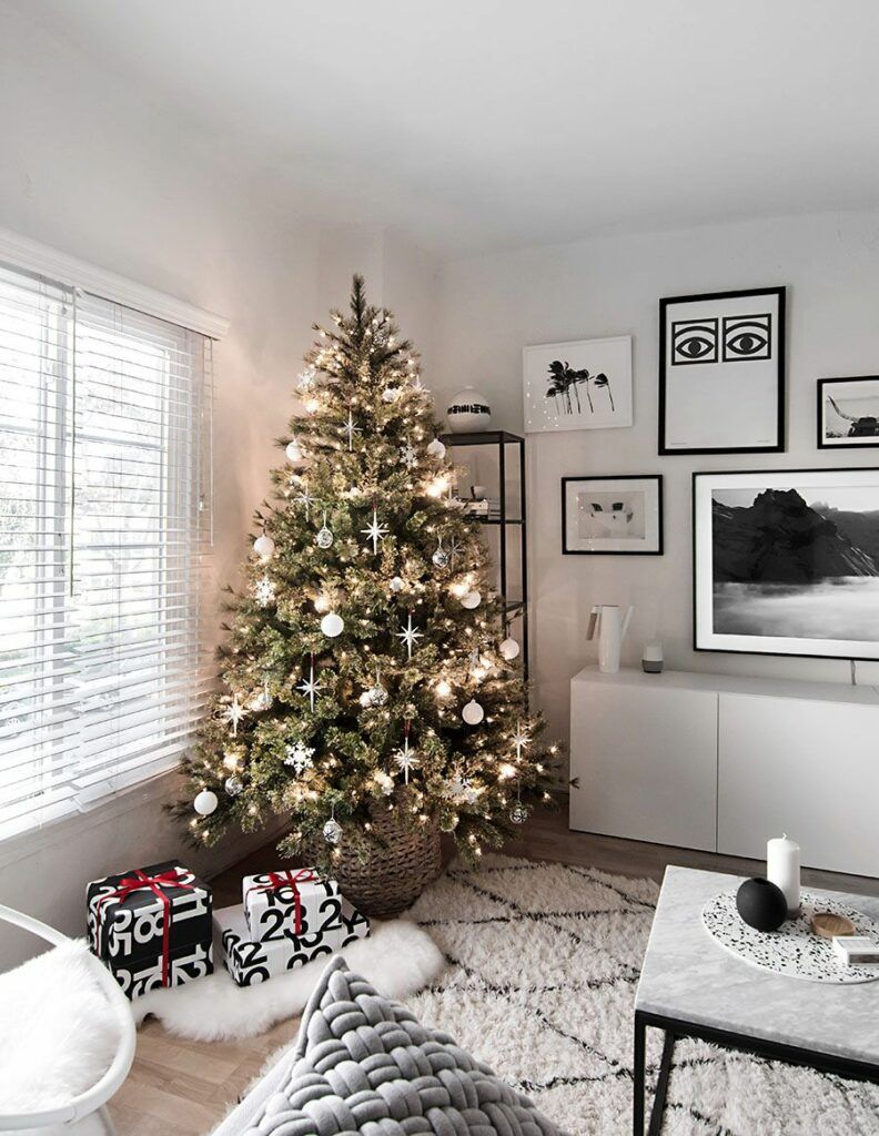 60 Chic Christmas Tree Decorating Ideas That Will Bring Cheer