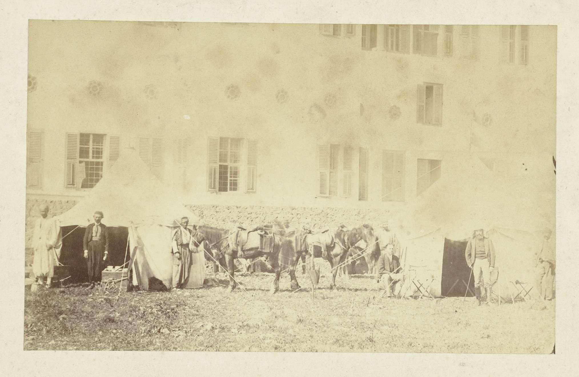 Anonymous | Kampement voor gebouw, Anonymous, 1855 - 1870 | Een kampement voor een gebouw, mogelijk in Egypte