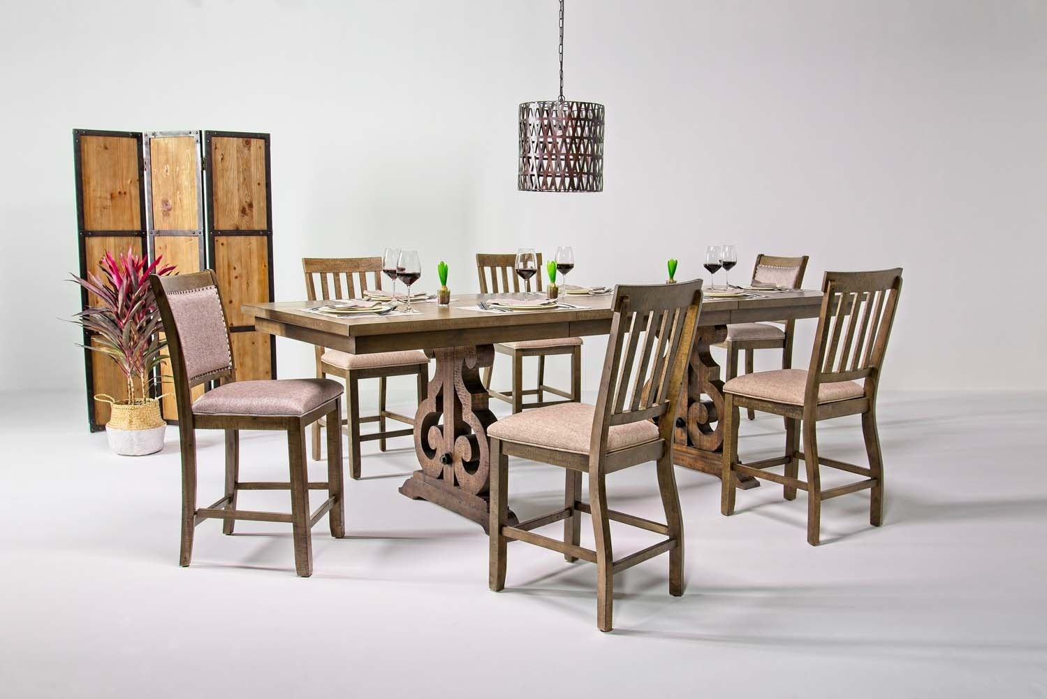 Go For A Dramatic Look In Your Dining Room With The