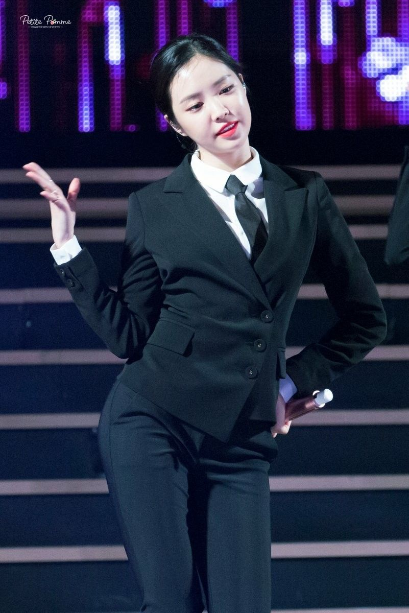 Pink dress shirt blue suit  Son Na Eun Apink  A pink  Pinterest  Sons Girl group and Kpop