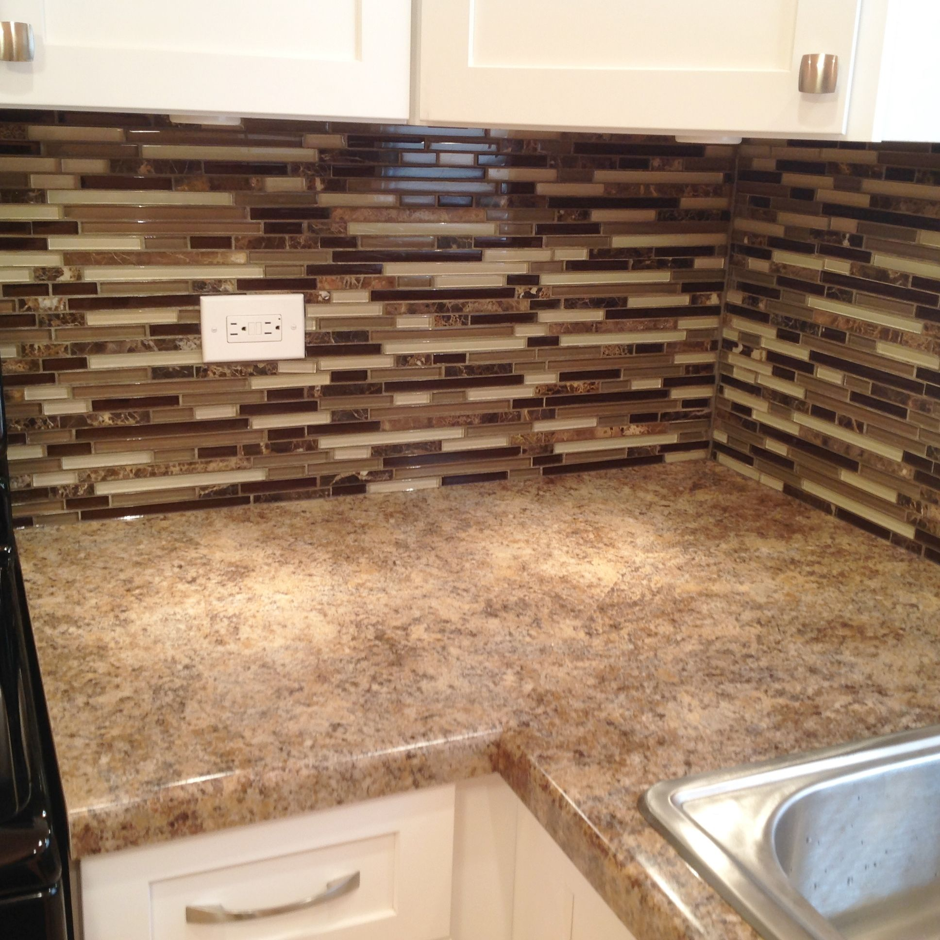 Formica Laminate Countertops And Glass Tile Backsplash By Archway Home Remodeling Complete Kitchen Remodel Glass Tile Backsplash Glass Tile