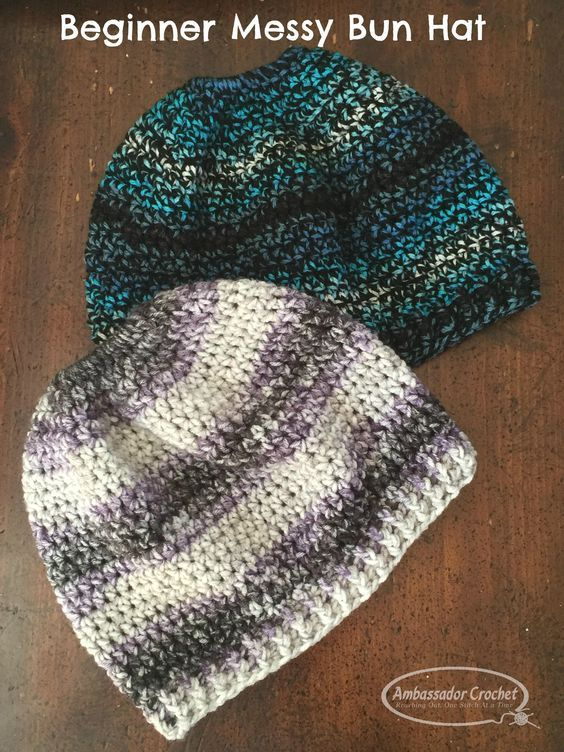 this messy bun hat crochet pattern is perfect for a beginner ...