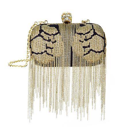 ALEXANDER MCQUEEN Classic Embellished Skull Clutch. #alexandermcqueen #bags #shoulder bags #clutch #crystal #hand bags