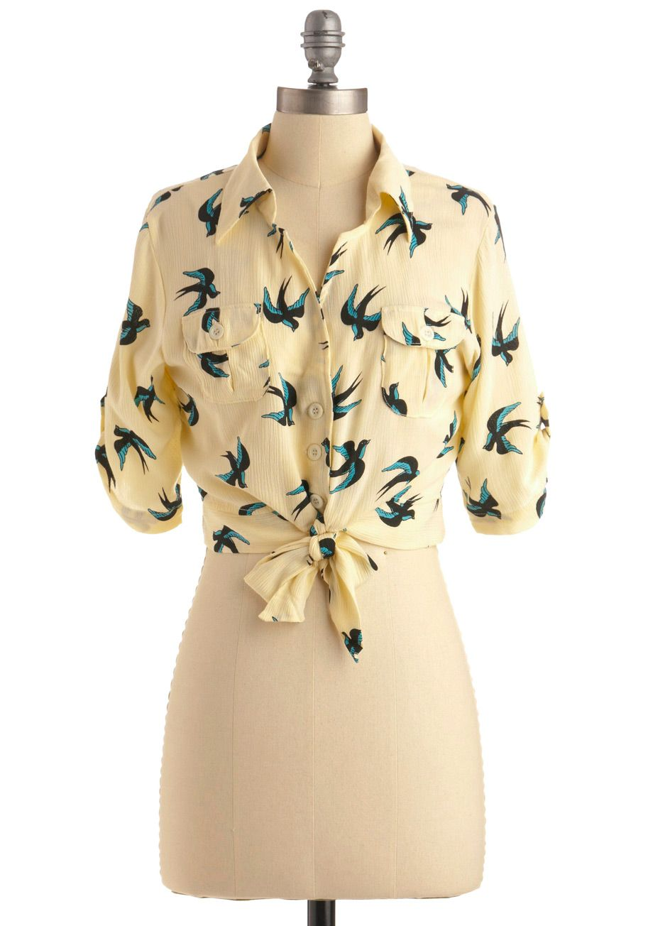 high waisted black or jean cigarette pants and a pair of black flats and this is my perfect brunch top.