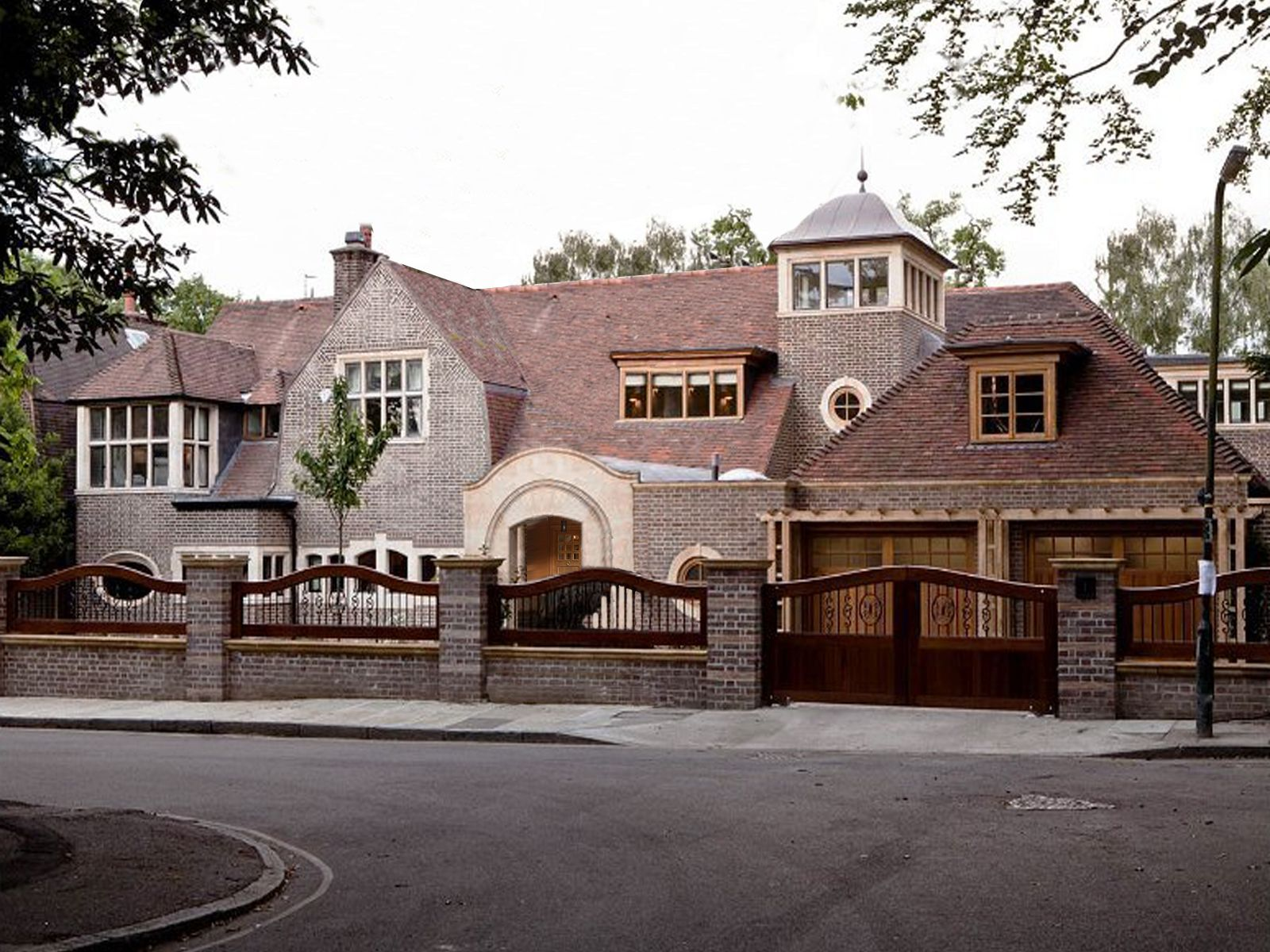 Extension mobili ~ Extension of an arts and crafts house in south west london