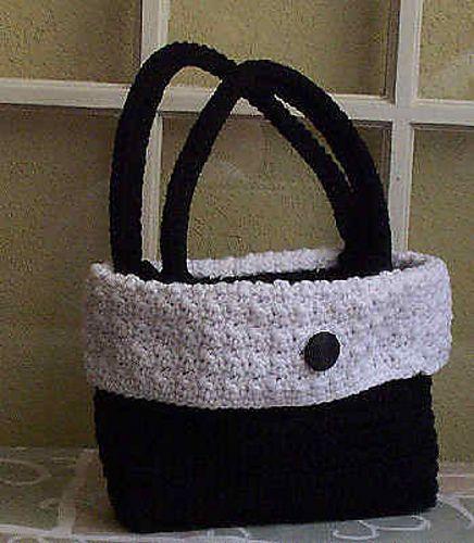 Ravelry: Uptown Bag pattern by C.L. Halvorson. Free