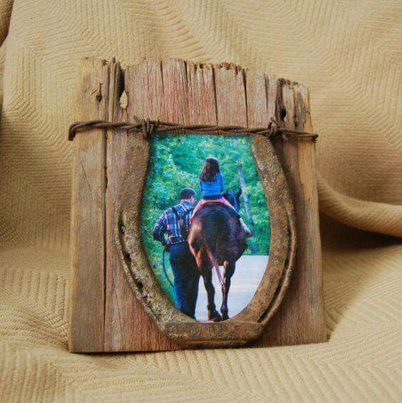 Reclaimed wood and horseshoe photo frame | Reuse and Recycle ...