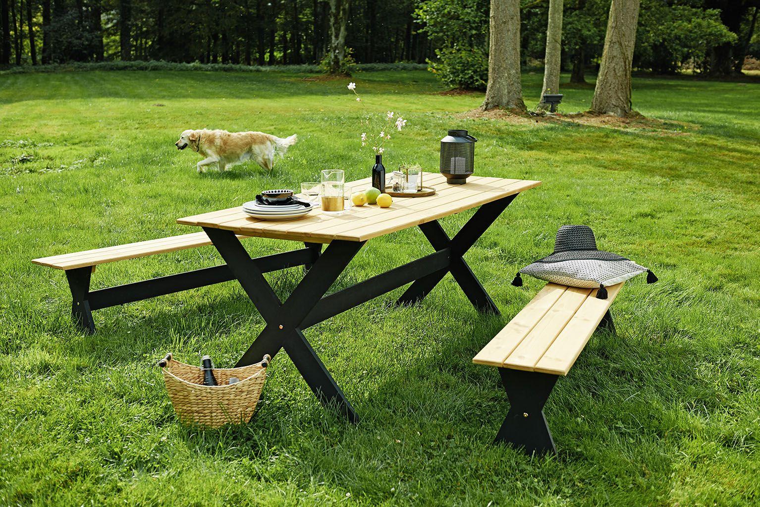 Nous adorons ce salon de jardin en pin pour un look champêtre et ...