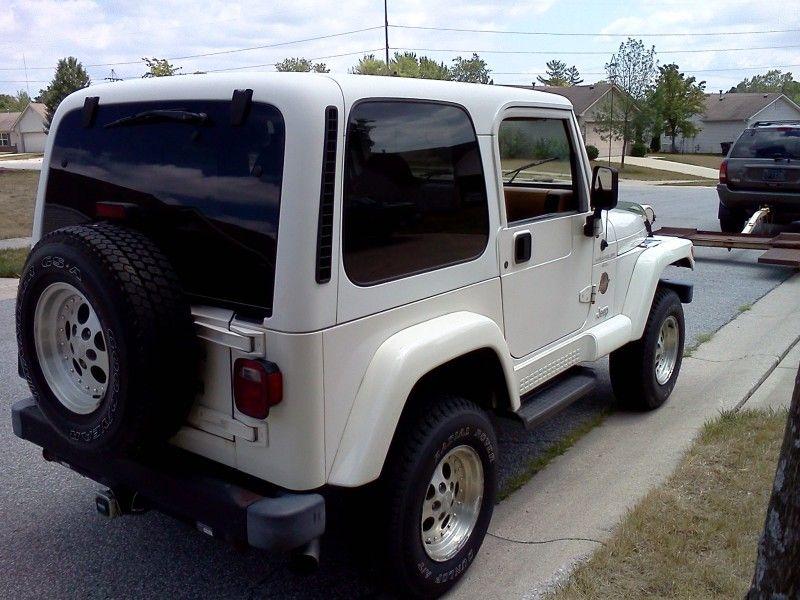 Indiana 1998 jeep wrangler (tj) oem hardtop rare white