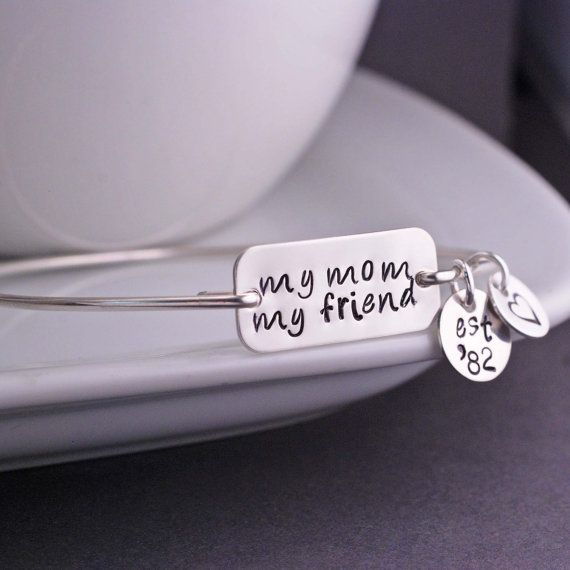 Most Thoughtful Wedding Gift Ever: 7 Most Thoughtful Ways To Thank Parents At Wedding