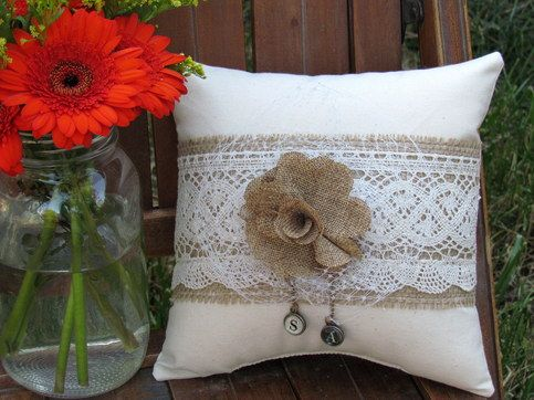 Burlap Flower Ring Bearer w Initials | Cojines, Arpillera