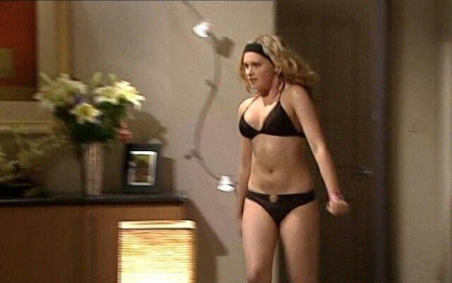 eliza-taylorcotter-galleries-bikini-fucking-pussy-one-piece-animation