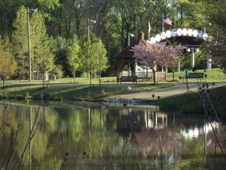 Amphitheater View from across lake Washington lakes