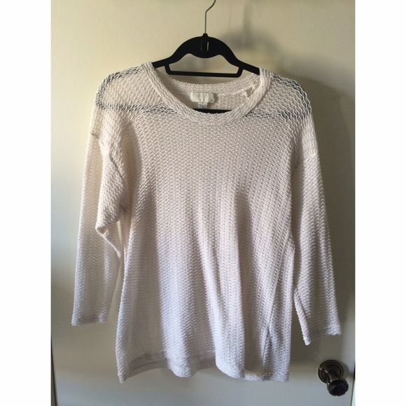 Forever 21 Cream Knit Sweater Knit sweater. I normally wear size Medium and it fits me fine.  NO TRADES! NO PAYPAL! NO MODELING! Forever 21 Sweaters Crew & Scoop Necks
