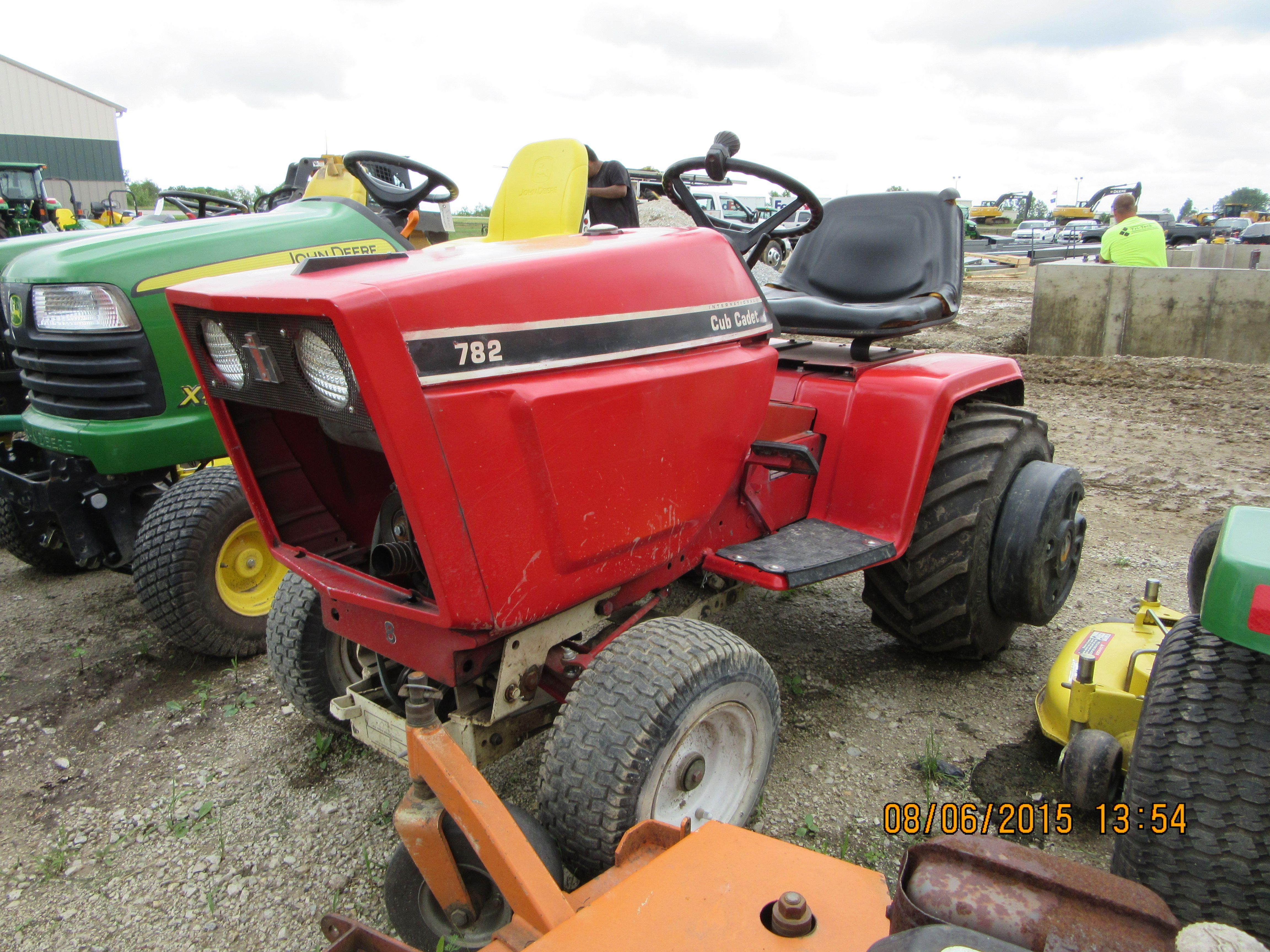 782 Cub Cadet Garden Tractor : International lawn garden tractor