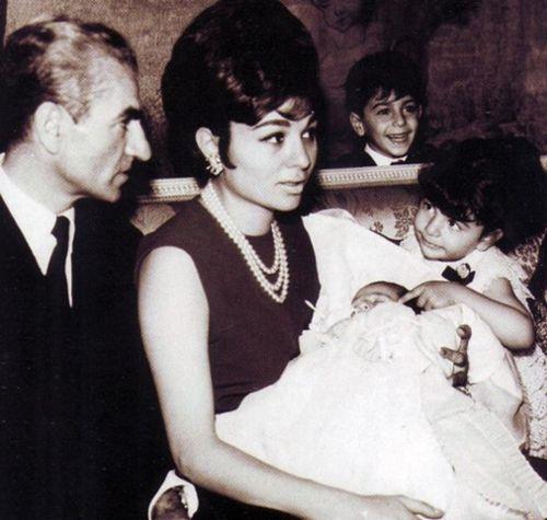 Prince Ali Reza Is Born 1966 Schah Von Persien Familie Persien