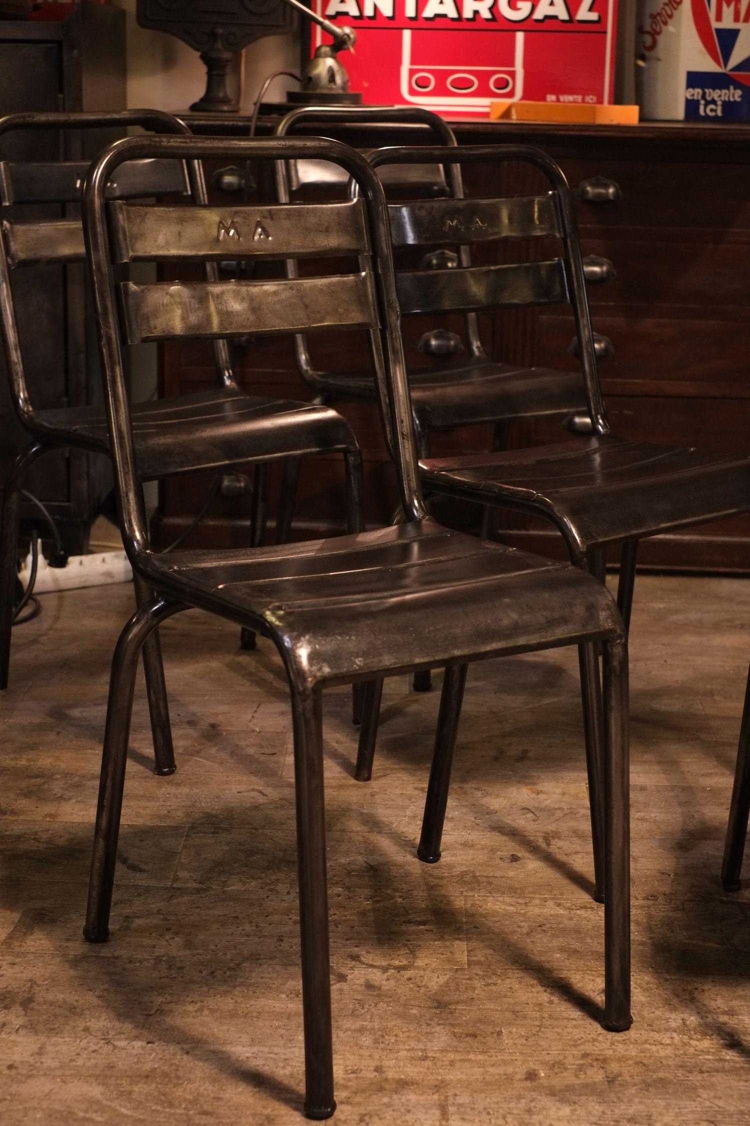 chaise ancienne en metal style tolix deco loft atelier. Black Bedroom Furniture Sets. Home Design Ideas