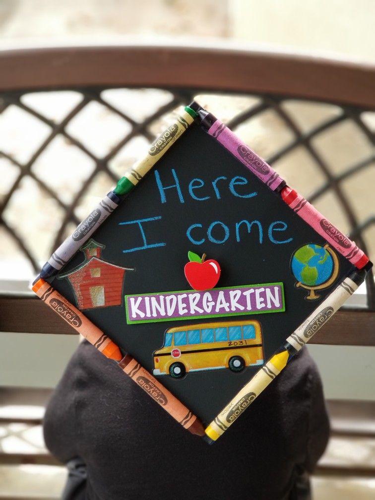 Grad Cap With Chalkboard Backing Teacher Graduation Cap Kindergarten Graduation Cap Diy Graduation Cap