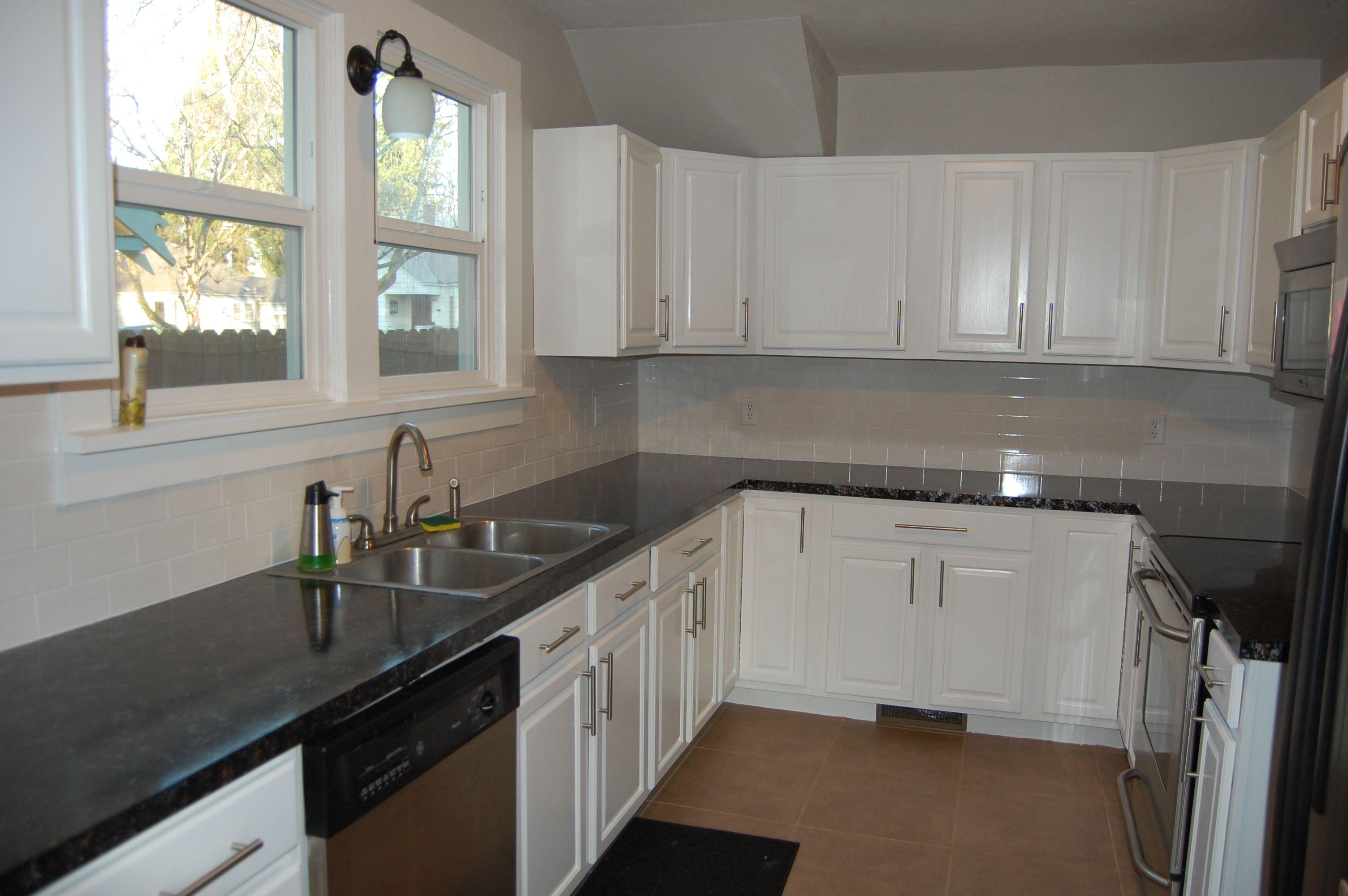 Modern Kitchen White Cabinets Design800552 Modern Kitchen White Cabinets Pictures Of