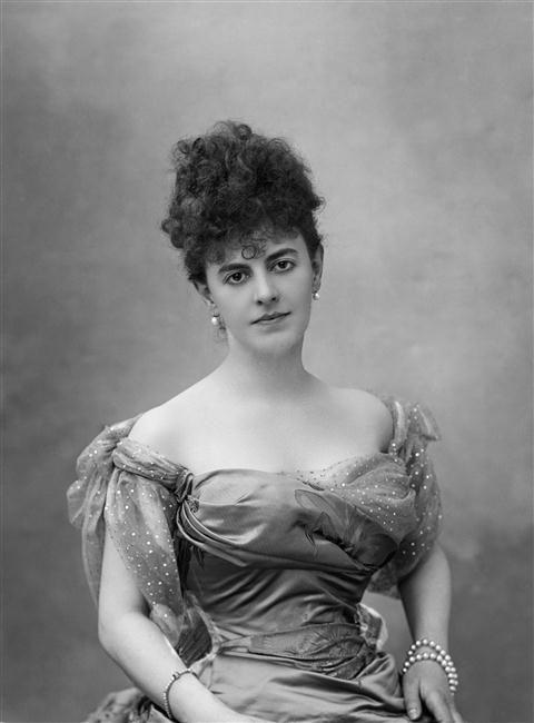 Comtesse Henry Greffulhe Nee Elisabeth De Caraman Chimay 1860