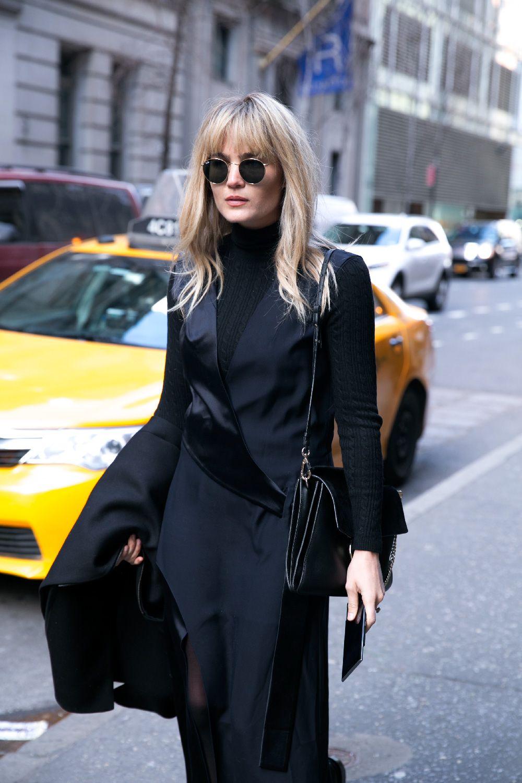 Brooke Testoni Chloe Dion Lee Uniqlo Cos Coat Blackberry Meitaviamp039s Kulot Denim Midi Culottes Givenchy Personal Style Street Blog Fashion