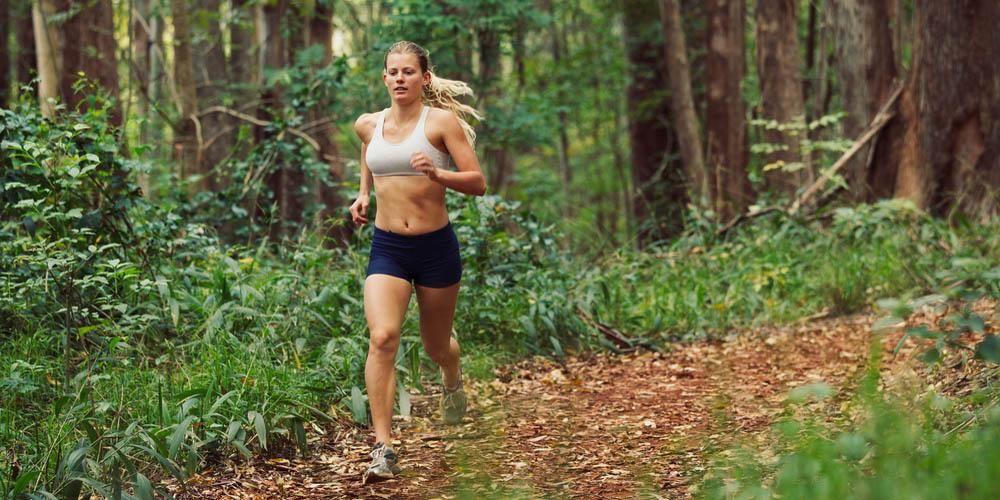 5 ejercicios para mejorar nuestra técnica de carrera y evitar lesiones de tobillo | Sentirse bien es facilisimo.com