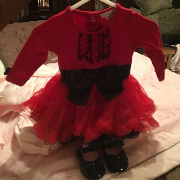 Worn 1 time infant dress with shoes (size 0) Red &a black with big Ruffles & bow, perfect for a newborn baby girl Macy's Dresses Long Sleeve