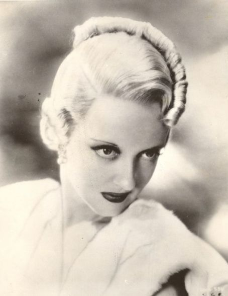 Bette Davis, Hair 1934