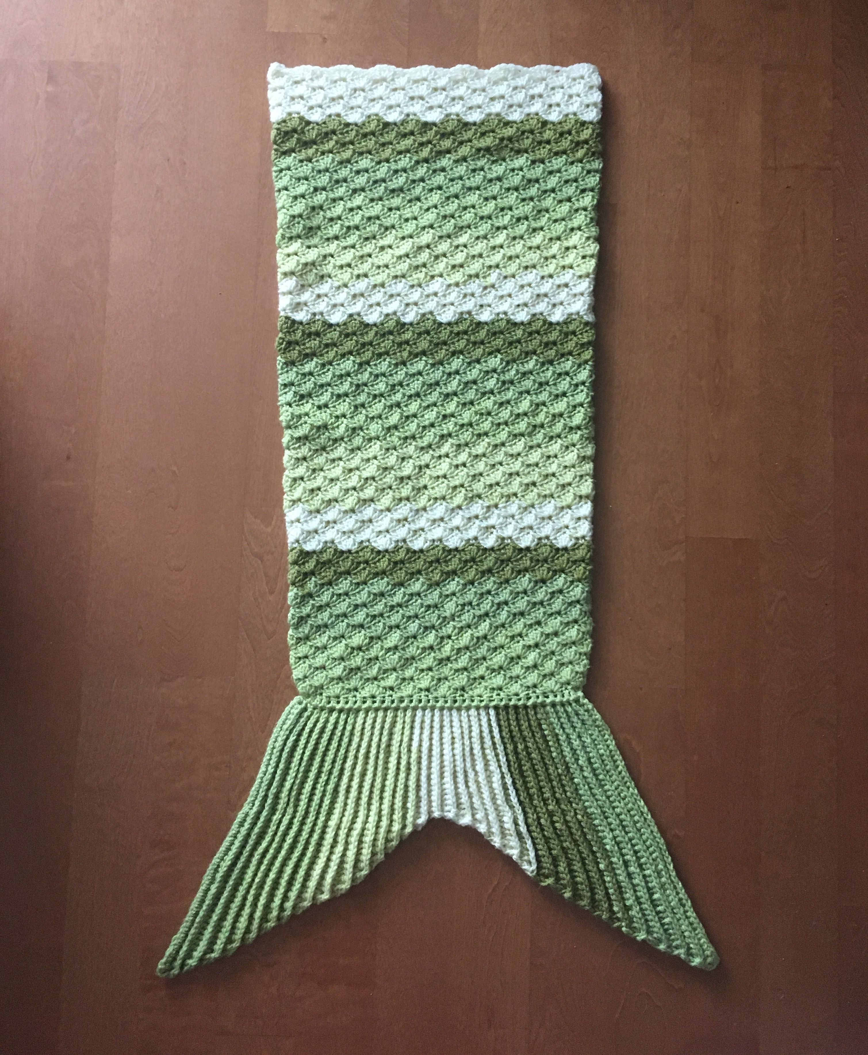 Crochet Mermaid Tail Blanket using Caron Cakes Pattern