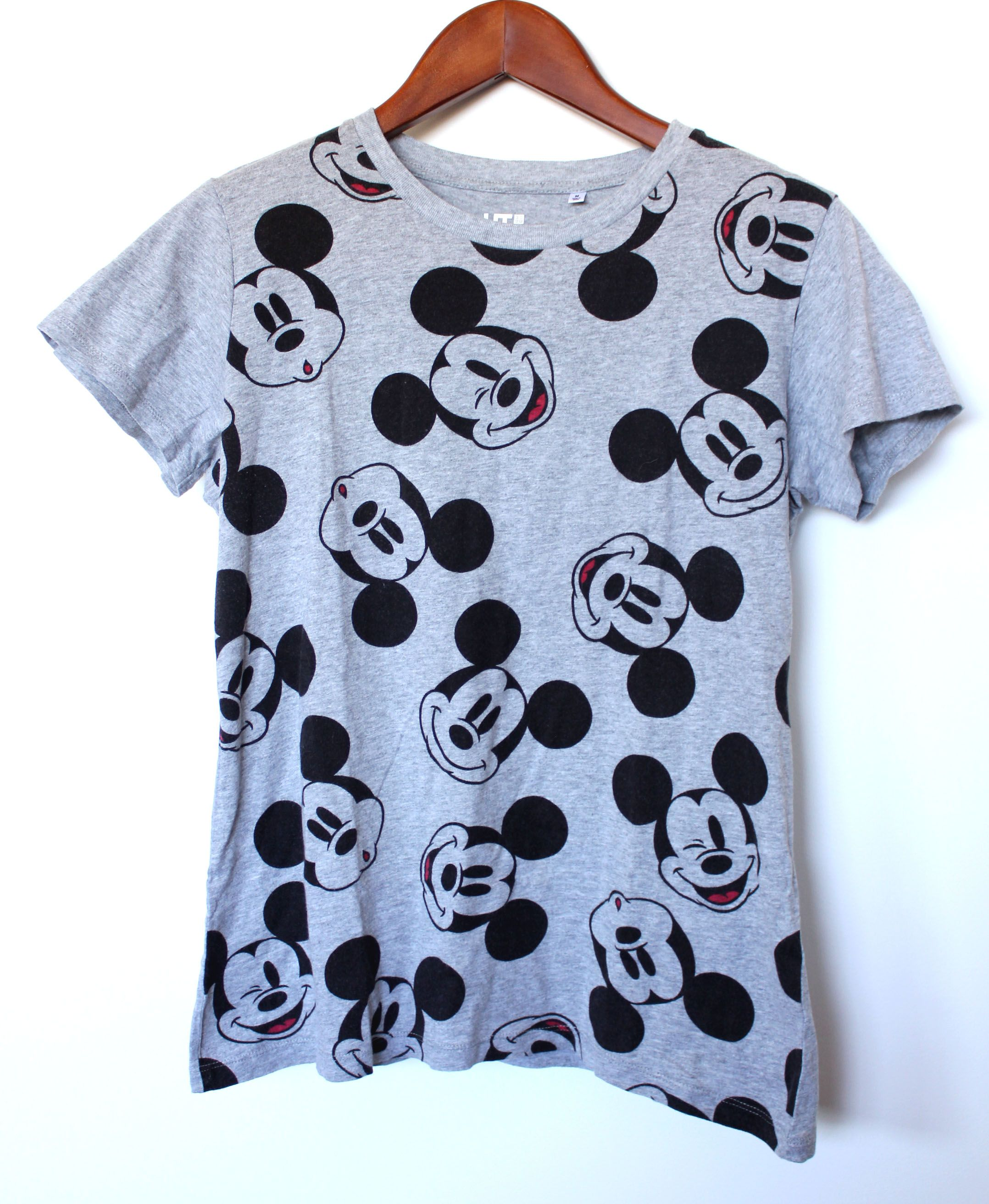 Uniqlo Ladies Size M Grey Mickey Mouse Disney Character T Shirt Top Tops Shirts Vintage Outfits