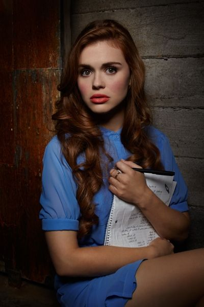 Holland Roden aka Lydia off teen wolf ! She's so pretty !