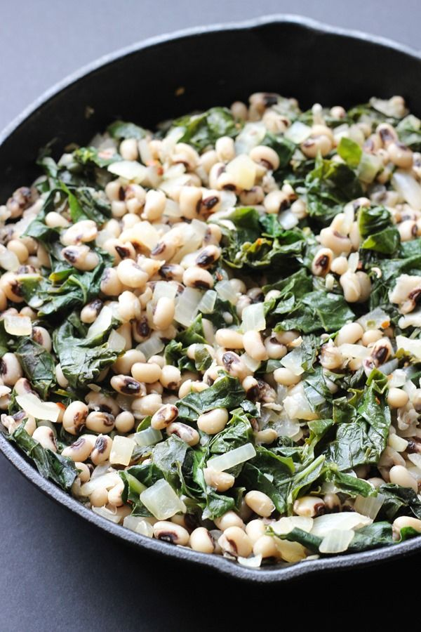 New Years Black Eyed Peas and Greens - Making Thyme for Health #blackeyedpeasrecipe