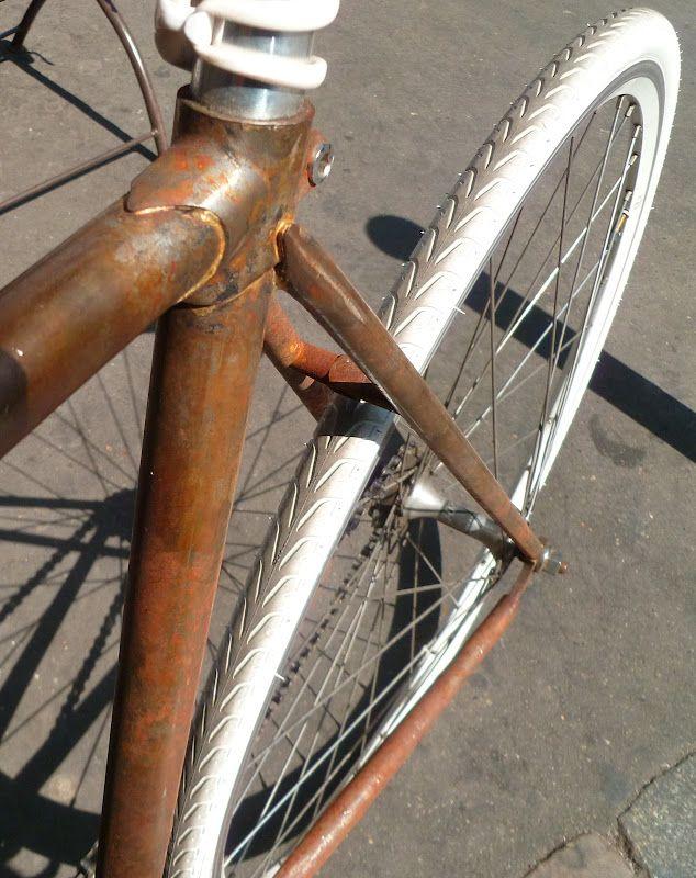 BORDEAUX CYCLE CHIC: Fixie version vintage