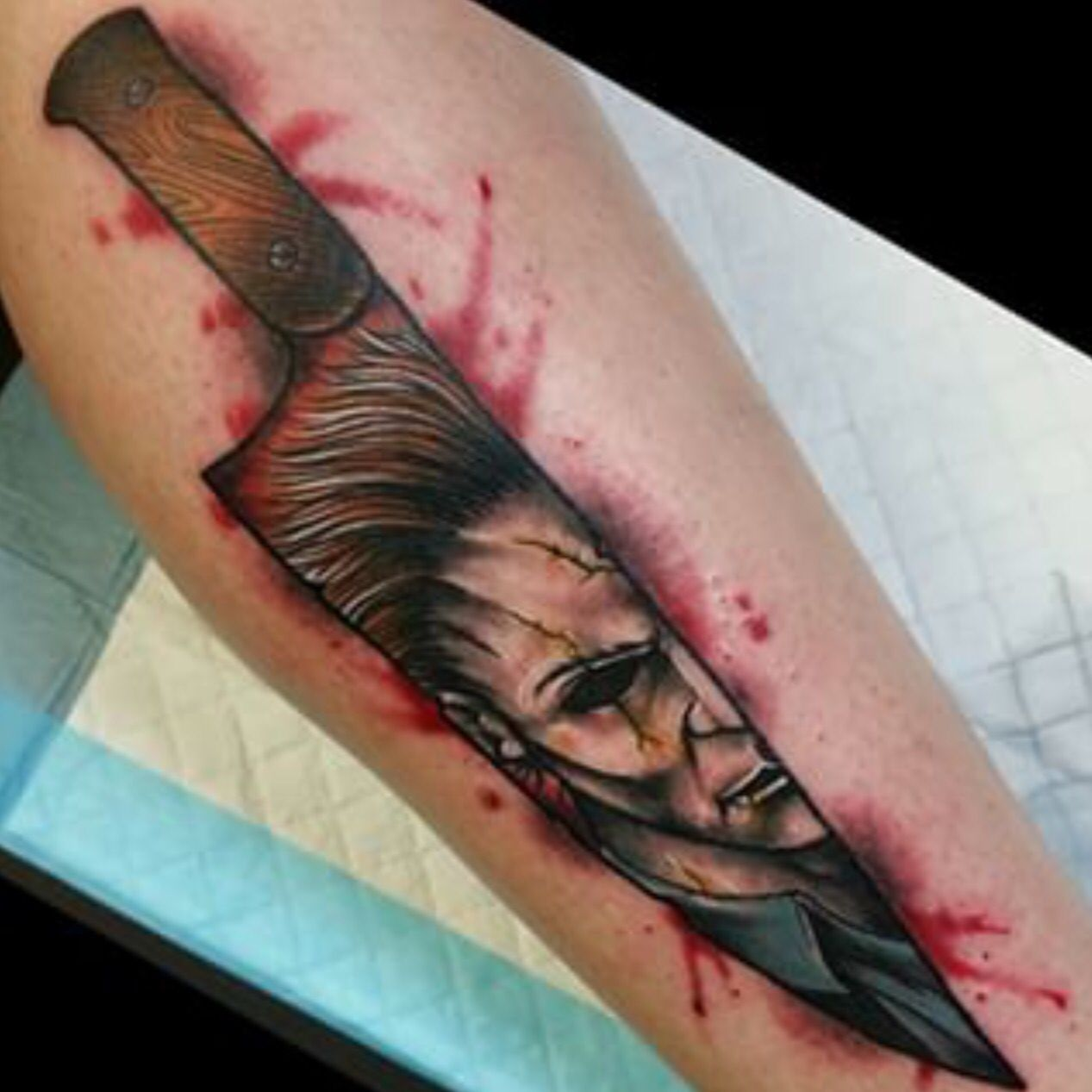 fb3b29387f9b8 Michael Myers Halloween Tattoo. #MichaelMyers #KnifeTattoo | Tattoo ...
