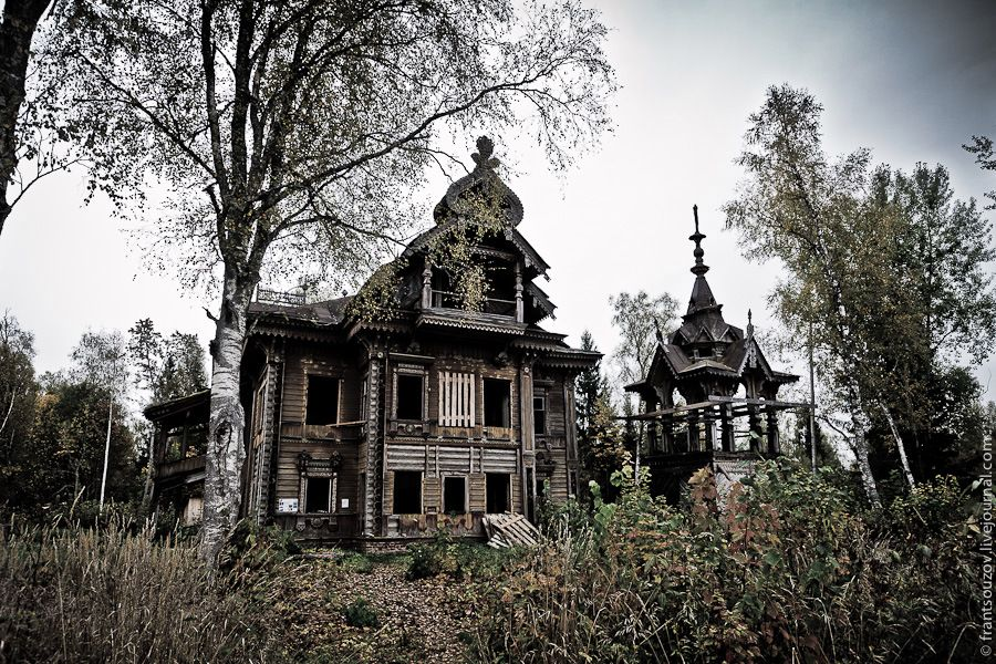 Abandoned wooden house from the fairy tale
