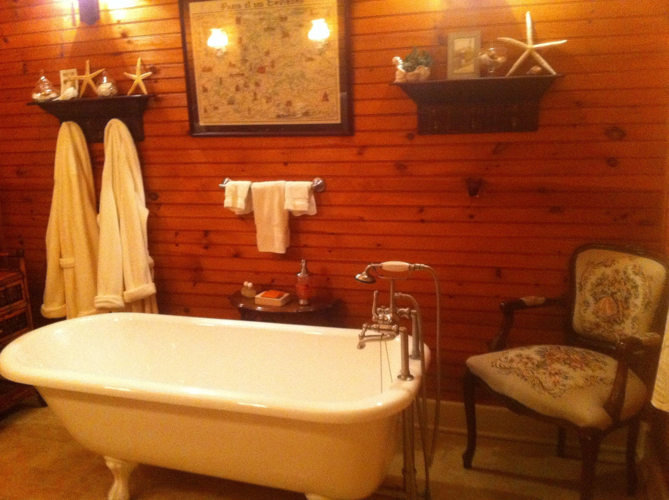 Pretty Cozy Inviting Bathroom Decor