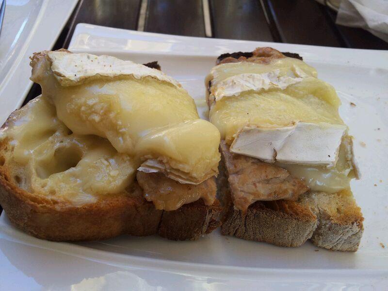 tapas solomillo queso brie