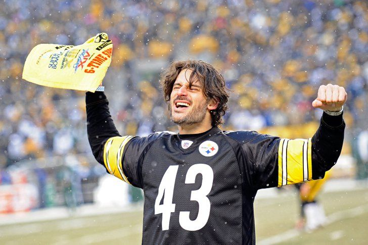 Pin for Later: Stars on the Sidelines: Celebrities Who Love Football  Joe Manganiello showed his Pittsburgh Steelers pride at a snowy game in December 2010.
