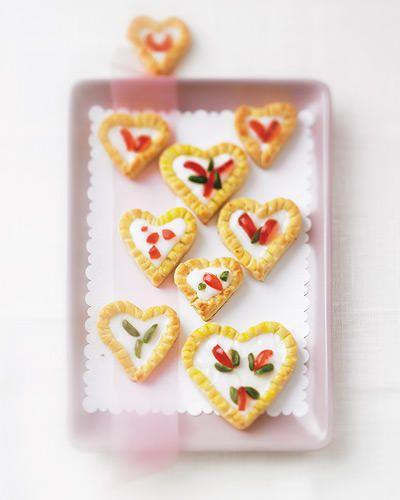 Schön Zum Valentinstag Backen Wir Kuchen Und Kekse Für Die Liebsten