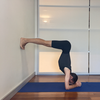 How To Do Sirsasana Headstand Step By Step Yoga Selection Headstand How To Do Headstand Yoga