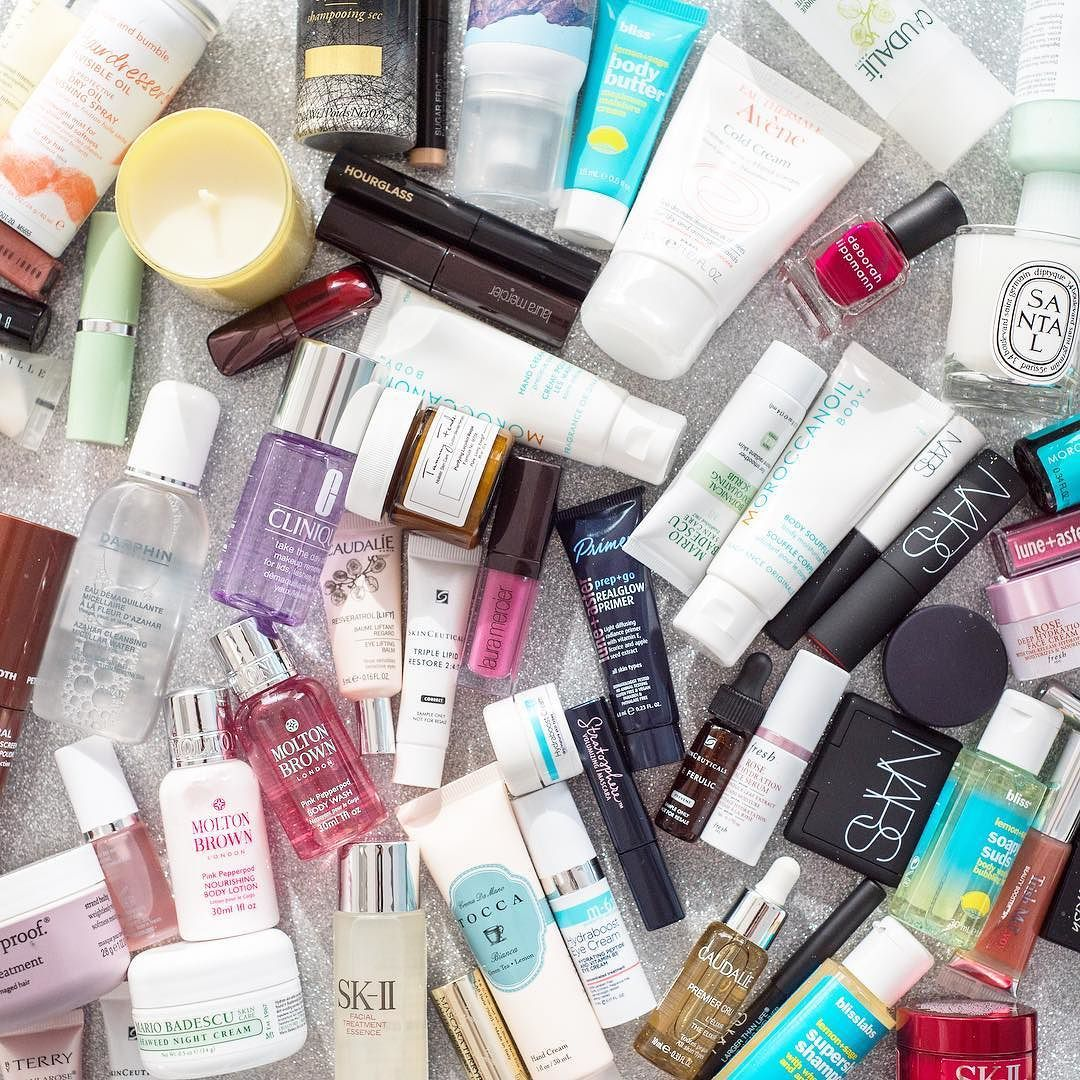 Sample Saturdays are back! Pick 3 Free Deluxe Samples with your in-store purchase of $75 when you shop on Saturdays. Every Saturday in March while supplies last. Tell us in the comments below where your neighborhood Bluemercury is!  #bluemerucyr #saturday #weekend #shopping #beautysamples #saturdayshopping #weekendshopping #beauty #fun