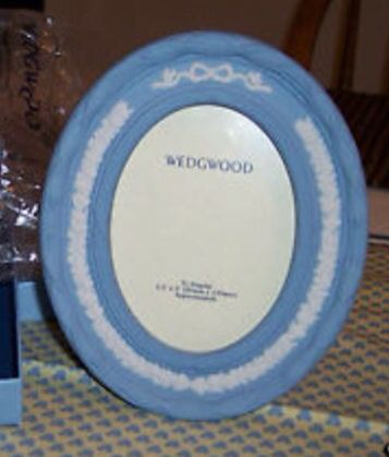 Pin by Teresa Dunham on Wedgwood Jasperware Picture Frames ...