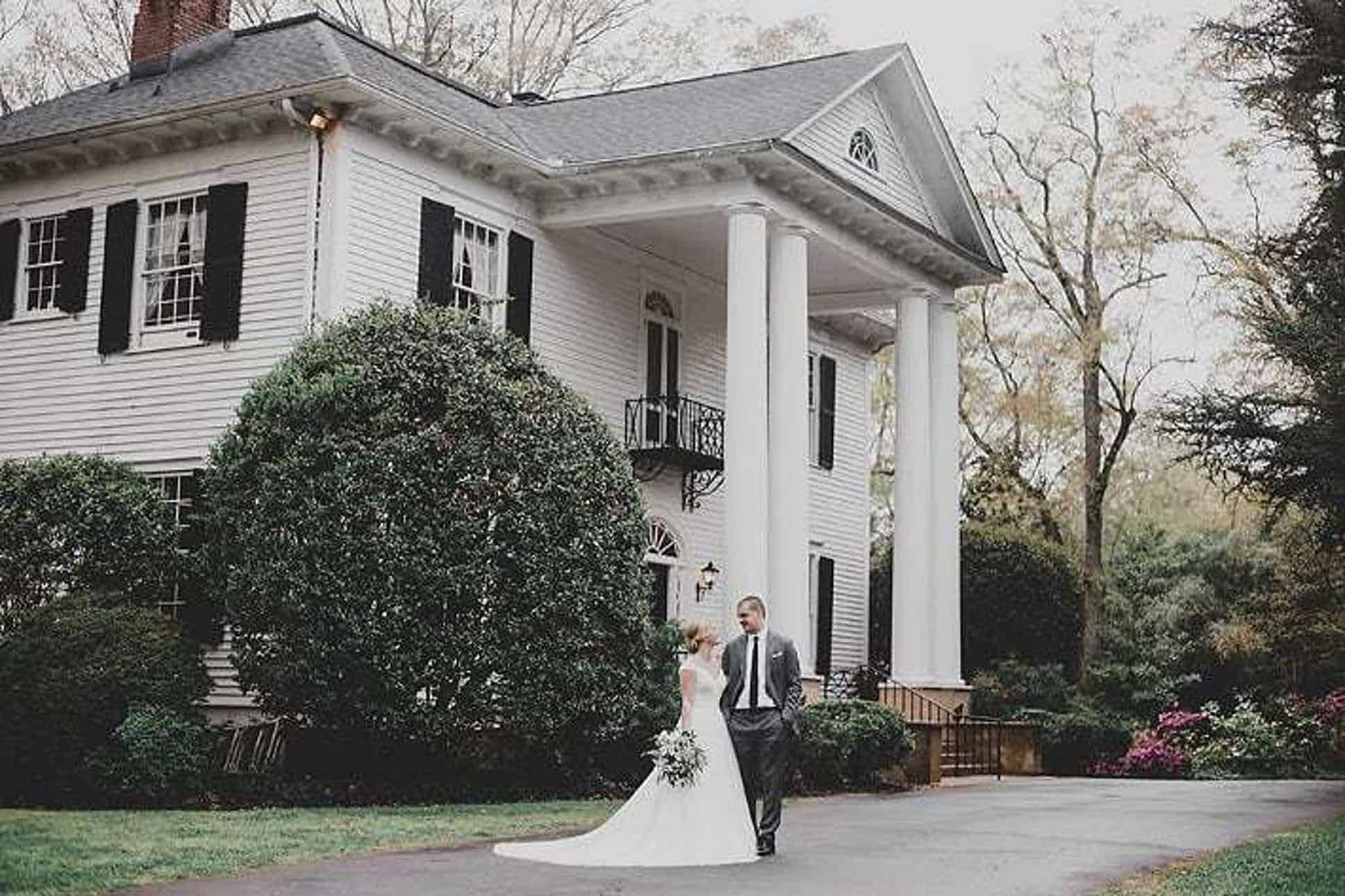 See The Duncan Estate A Beautiful Greenville Upstate Wedding Venue Find Prices D In 2020 Wedding Venues South Carolina South Carolina Wedding Estate Wedding Venue