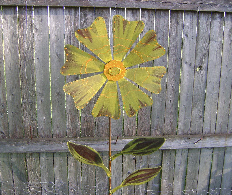 Wild Flower Garden Stake, Metal Garden Art, Painted Flower Yard Stake,  Sculptured Metal