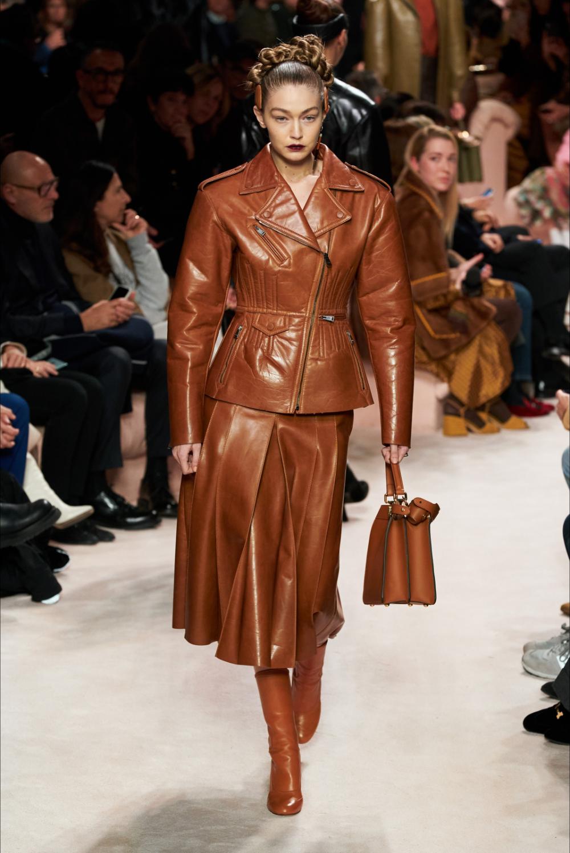 Sfilata Fendi Milano – Collezioni Autunno Inverno 2020-21 – Vogue